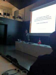 conferencia_dr_mackay